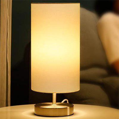 Teckin LED Lampe für den Schreib  oder Nachttisch für 12,99€ (statt 20€)