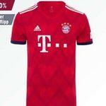 FC Bayern Fanshop Sale mit bis zu -50% + 10€ Gutschein ab 50€ – z.B. Mütze + Schal in Geschenkbox ab 19,97€ (statt 40€)