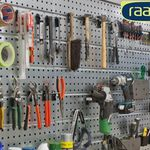raaco Werkstatt-Set (4 Stahllochplatten, 38 Haken) für 68,90€