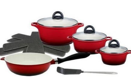 Meine Küche Shadow   7 teiliges rotes Aluguss Topfset inkl. Schmorpfanne u. Pfannenwender für 49,99€ (statt 95€)