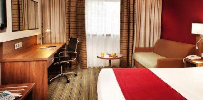 1 ÜN im 4* Hotel Holiday Inn Paris inkl. Frühstück ab 44,50€p.P. (2 Kinder bis 11 kostenlos)   teilweise sogar 3 Nächte zum Preis von nur 2 (89€ p.P.)