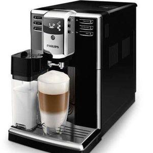 Philips EP5360 Kaffeevollautomat mit Milchkaraffe für 389,99€ (statt 445€)