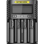 Nitecore UM4 – intelligentes Ladegerät mit 4 Schächten für 19,80€