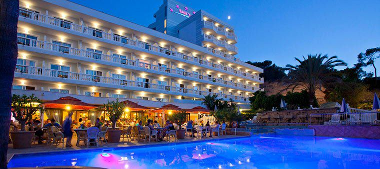 4 ÜN auf Mallorca (Santa Ponsa) im 4*Hotel inkl. Halbpension + ✈️ ab 155€ p.P.