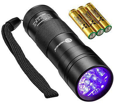 TaoTronics FL001   UV Taschenlampe mit 12 LEDs & 3 AAA Batterien für 4,99€   Prime