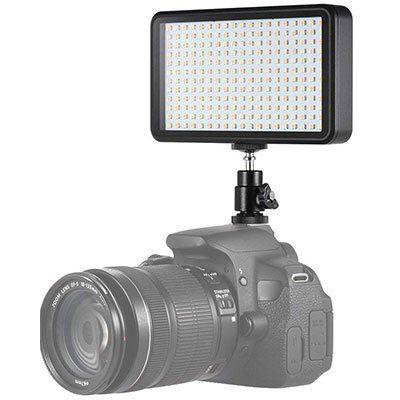 Dimmbares LED Licht für DSLR mit 228 LEDs für 17,49€ (statt 25€)   Prime
