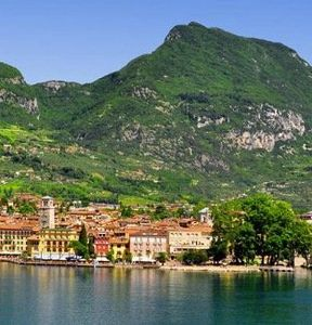 2 ÜN im 4* Hotel am Gardasee inkl. Halbpension, SPA, Welcome Drink und Teilkörpermassage ab 170€ p. P.