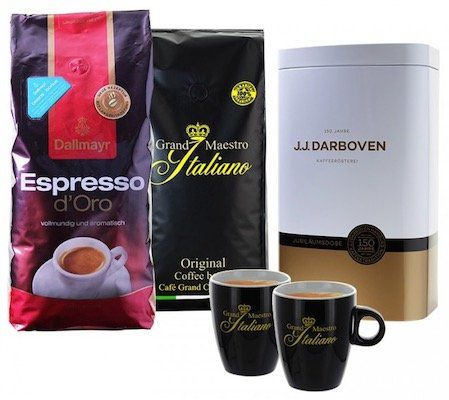 2kg Kaffeebohnen (Grand Maestro & Dallmayr) + Kaffeedose + 2 Tassen für 29,99€