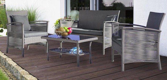 Loungegarnitur Julie 7 teilig (Sitzbank, 2 Stühle, Tisch, Kissen) für 152,65€ (statt 250€)