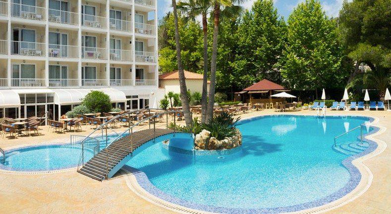 1 Woche Mallorca im 4* Hotel mit Halbpension inkl. Flügen ab 199€ p.P.
