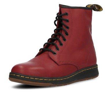 Dr. Martens Newton Boots in Rot für 54,24€ (statt 85€)