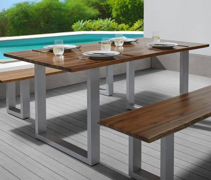 Ausverkauft! Philips Hue White and Color Ambiance Econic LED Garten Standleuchte für 93,80€ (statt 134€)