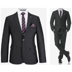 Bruno Banani Herren Anzug 4 teilig (mit Krawatte und Einstecktuch) für 116,44 (statt 141€)