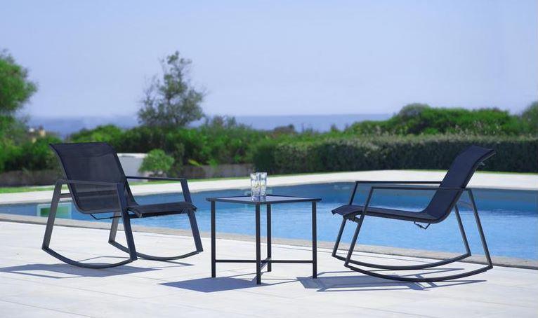 Mandy Gartenset 3 teilig: 2 Schaukelstühle + 1 Tisch für 85,12€