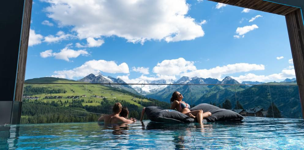 2 ÜN im 4* Alpenwelt Resort im Deluxe Doppelzimmer inkl. Verwöhnpension, Spa & Co. ab 169€p.P.