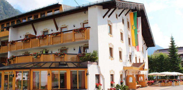 2 ÜN in Tirol in 4* Sporthotel inkl. Frühstück, Dinner, Wellness & kostenlose Fahrräder ab 99€ p.P.