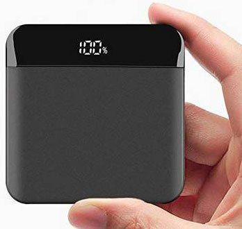 Kleine 10.000mAh Powerbank mit LCD, Typ C & Lightning Adapter für 19,71€ (statt 29€)