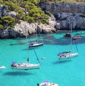 Menorca: Hin  und Rückflug von Stuttgart inkl. Gepäck ab 11€