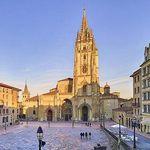 Spanien: Hin- und Rückflug von München nach Oviedo inkl. Handgepäck ab 10€