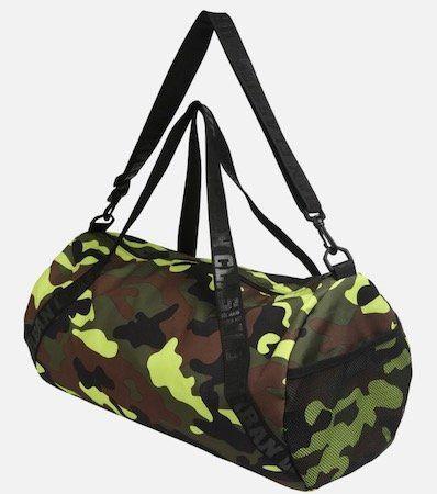 Urban Classics Sporttasche in Camouflage für 16,07€ (statt 25€)