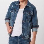 Hollister Jeansjacke 'Wholesale Trucker' in Blue-Denim für 50,92€ (vorher 80€)