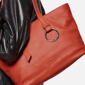 Liebeskind Berlin Shopper Millennium in Orangerot für 64,06€ (statt 139€)
