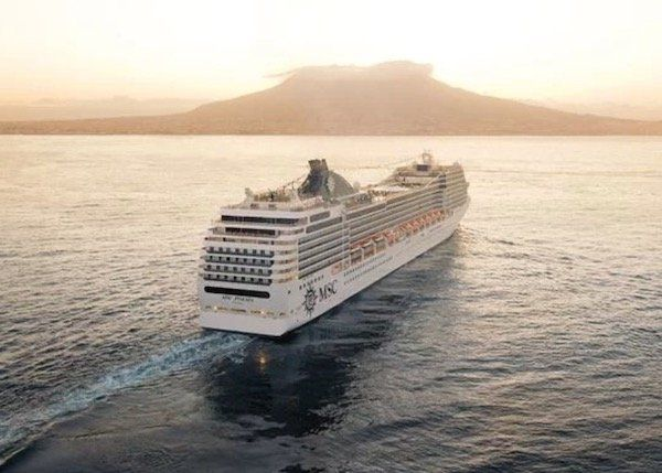 24 Tage Transatlantik Kreuzfahrt auf der MSC Poesia inkl. Balkonkabine, Vollpension, Flug ab 1.999€ p.P.