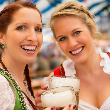 Ozapft is: Partyzug zum Münchener Oktoberfest hin & zurück für 52€   z.B. von Hamburg, Köln, Bremen