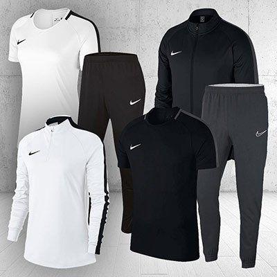 Nike Outfit Academy (3 teilig) für Damen & Herren für 49,90€ (statt 61€)