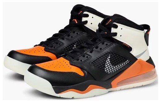 Caliroots Halloween Sale: 25% Rabatt auf schwarze, weiße und orange Produkte   z.B. NIKE Jordans für 120€ (statt 159€)