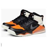 Caliroots Halloween-Sale: 25% Rabatt auf schwarze, weiße und orange Produkte – z.B. NIKE Jordans für 120€ (statt 159€)