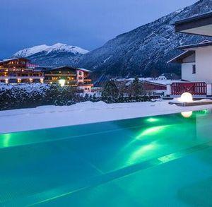 2 ÜN in Tirol im großen DZ inkl. Frühstück, Wellness mit 4 Saunen & mehr ab 135,15€ p.P.