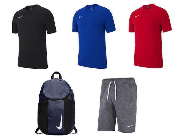 Nike Freizeit Outfit 3 teilig (Shirt, Hose, Rucksack) für 42,22€ (statt 53€)