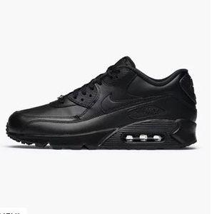Caliroots Black Fr*day Flash Deals   z.B. Nike Air Max 90 Leather für 59,90€ (statt 94€)