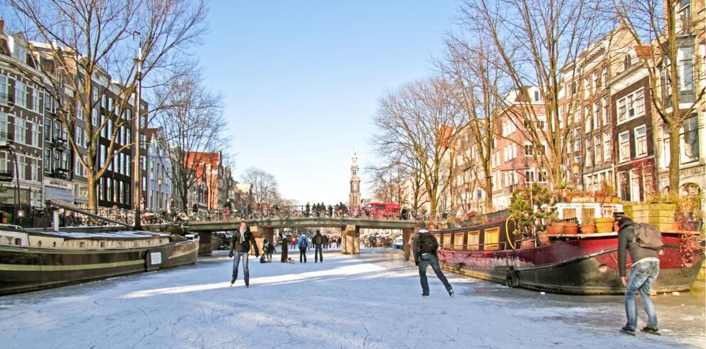 Amsterdam: ÜN im Zero Energy Hotel Breeze inkl. Frühstück ab 64€p.P.