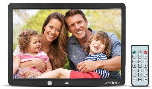Andoer 15 LCD Bilderrahmen (1280x800) mit Kalender Uhr & Fernbedienung für 33,20€ (statt 83€)