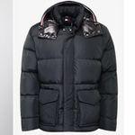 Tommy Hilfiger Hooded Bomber Jacke für 116,40€ (statt 140€) – S, M, XXL