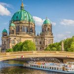 Berlin: Sightseeing Bootstour auf der Spree + Hotel mit Frühstück ab 49€ p.P.
