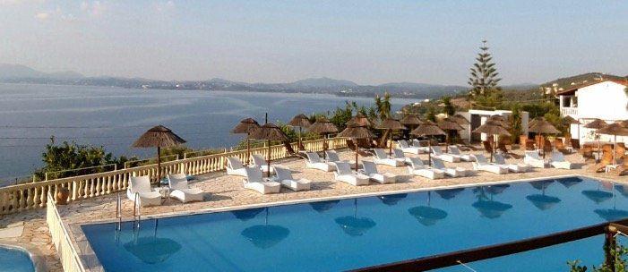 7ÜN auf Korfu im super 3* Hotel mit HP, Meerblick, Flügen und Transfers ab 373,76€ p.P. im DZ