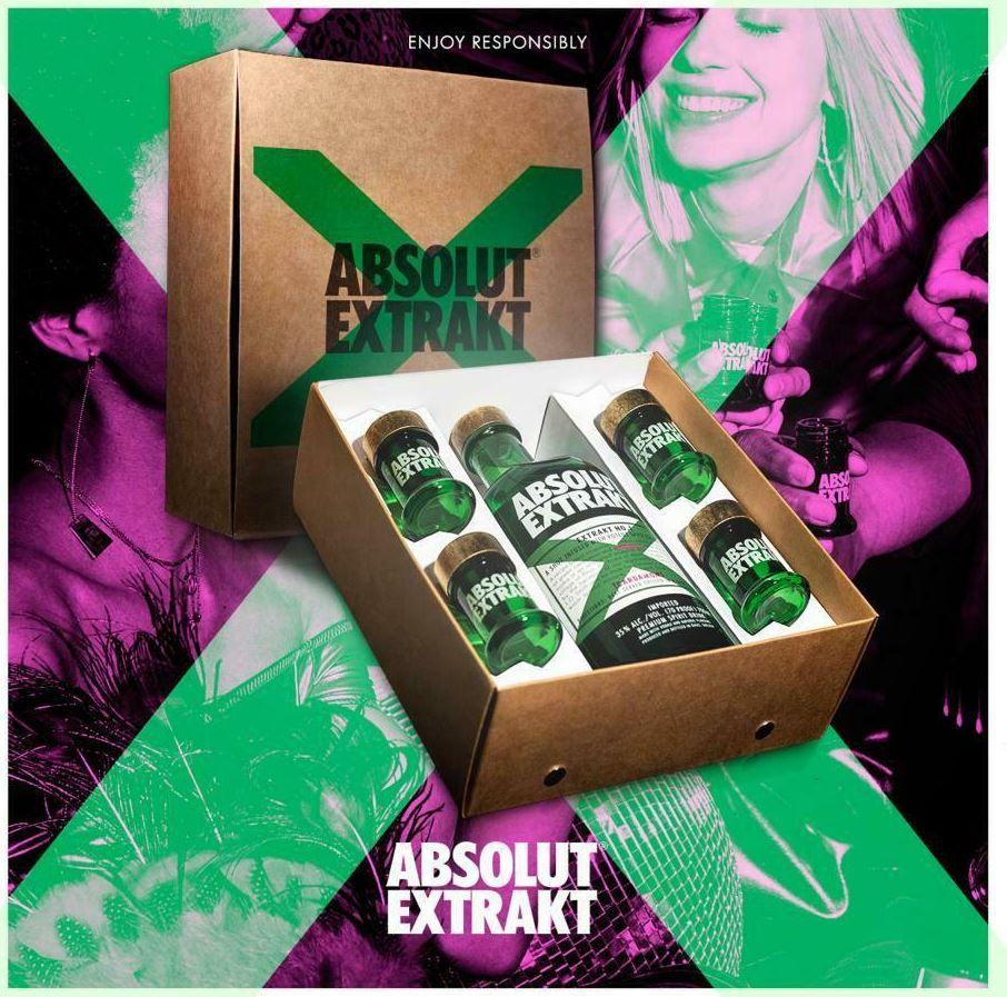 Absolut Vodka Extrakt in Geschenkverpackung mit 4 Shotgläsern für 26,49€ (statt 31€)