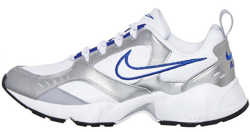 Nike Air Heights Sneaker in Weiß Silber für 26,37€ (statt 46€)