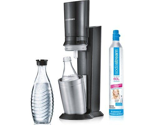 SodaStream Crystal 2.0 Titan inkl. 2x Glaskaraffe + Kohlensäurezylinder für 79,99€ (statt 90€) – Prime Day