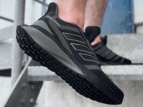 adidas Laufschuh Nova Run FVSE in 2 Farben für je 50,70€ (statt 67€)   40 bis 48