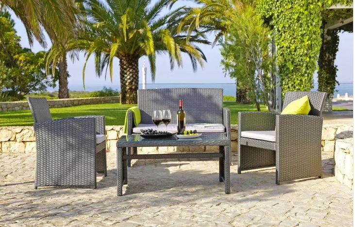 Lounge Garnitur mit Zweisitzer, Tisch und 2 Stühlen inkl. Kissen ab 139,30€ (statt 229€)