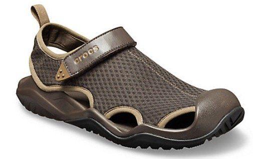 Crocs Men's Swiftwater Mesh Deck Sandal für 25€ (statt 42€)