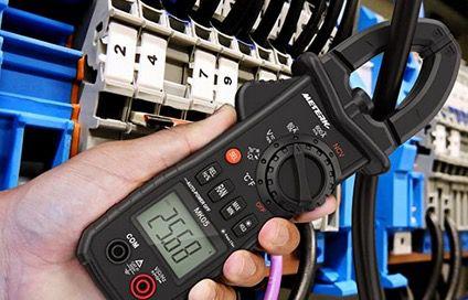 Meterk Clamp Meter Multimeter für AC/DC Spannung mit LCD Bildschirm und Batterie für 18,89€ (statt 27€)