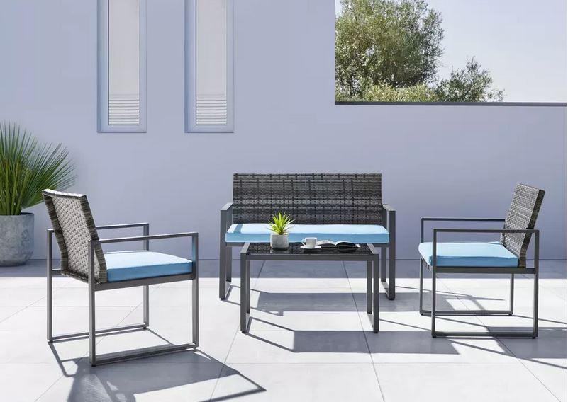 Gartengarnitur Moni inkl. Sitzbank, 2 Stühlen und Tisch mit Glasplatte für 224,25€ (vorher 299€)