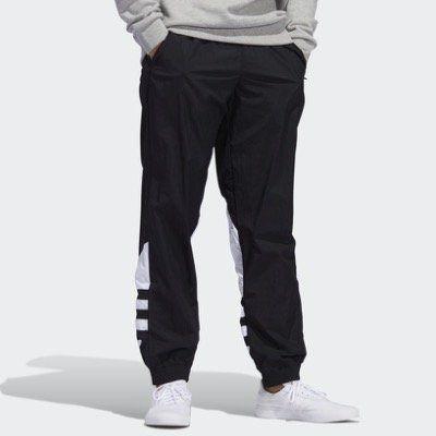 adidas Originals Sweatpants Large Logo Jogginghose in unterschiedlichen Farben und Größen für 35€ (statt 44€)