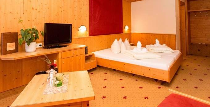 Familienurlaub: ÜN im Pitztal mit All Inclusive & Sauna für 119€   2 Kinder bis 9 kostenlos