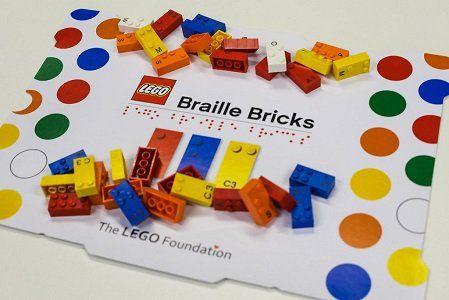 Gratis LEGO® Braille Steine für blinde & sehbehinderte Leseanfänger